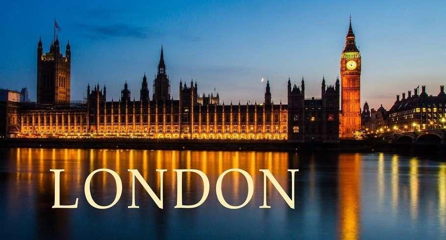 riot-london-910-490